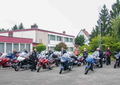 Hotel-Hellers-Krug-Holzminden-Motorrad-0001